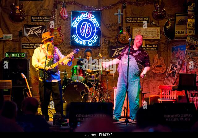 Indianola (MS) United States  city photos gallery : United States, Mississippi, Clarksdale, the All Night Long Blues Band ...