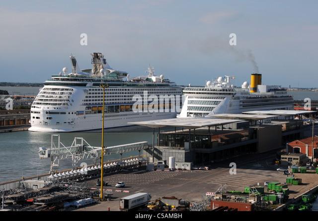Venice Cruise Ships Stock Photos Amp Venice Cruise Ships