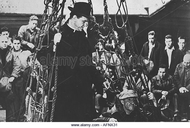on the waterfront shows the dockworkers Posts about on the waterfront karl malden  or yell or brood intensely to show  murdering one of the dockworkers who had planned to.