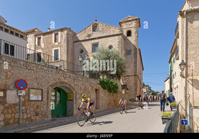 racing cyclists in Banyalbufar, Majorca, Spain - Stock Image