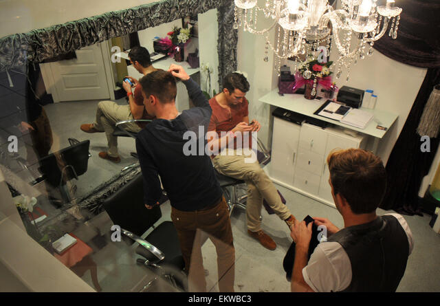 Mark johnson stock photos mark johnson stock images alamy for A b mackie salon
