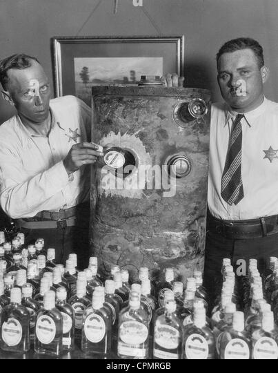 the involvement of mob in the prohibition of alcohol in the united states in the 1920s Capone also devised a system to distribute his alcohol, which involved delivery truck of prohibition bootlegging alcohol capone's gang, the mob.