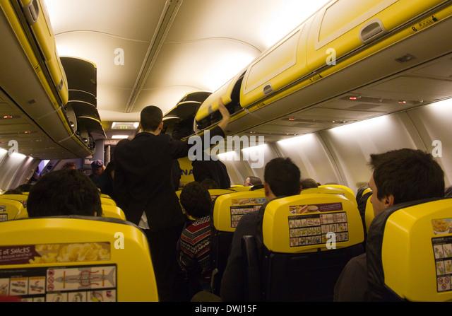 Cheap Air Filters >> Ryanair Interior Stock Photos & Ryanair Interior Stock Images - Alamy