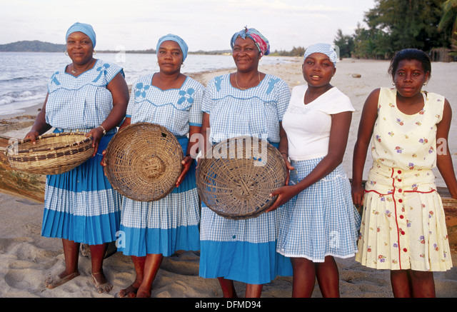 garifuna clothing Garifuna attire, belize city, belize 900 likes 61 talking about this i would like you all to post pictures of yourself and others dressed in garifuna.