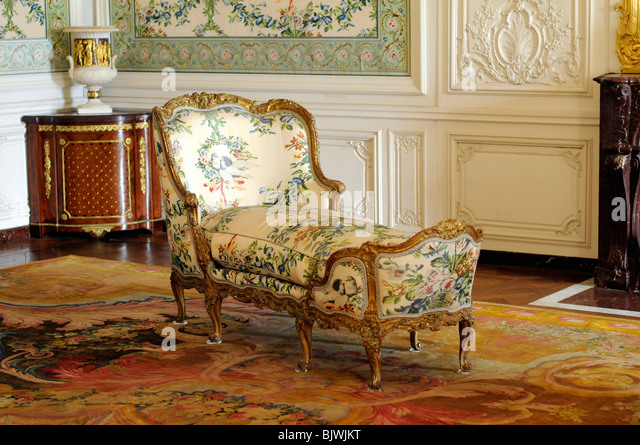 Chaise longue french stock photos chaise longue french for Chaise longue paris