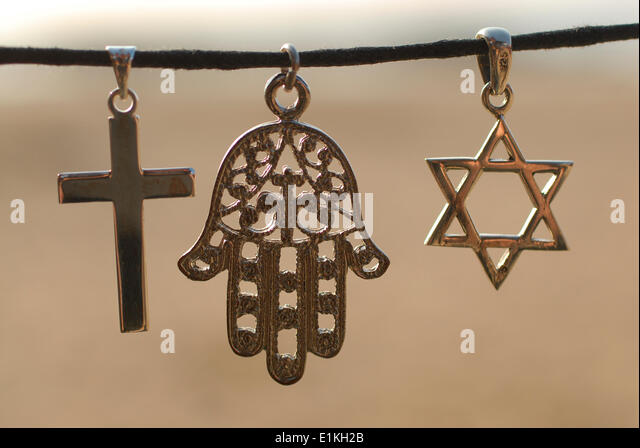the three monotheistic religions Judaism, christianity, and islam: a common tradition  it is not coincidental that all three great monotheistic religions of the world today have a common.