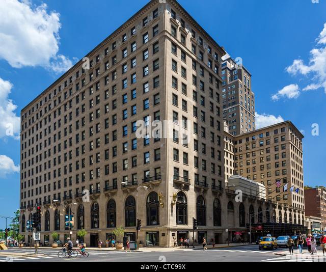 Michigan avenue stock photos michigan avenue stock for Avenue hotel chicago