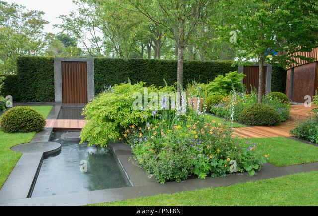 2015 RHS Chelsea Flower Show, The Homebase Urban Retreat Garden, Designed  By Adam Frost
