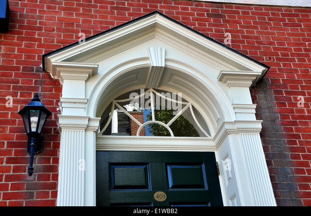 Colonial era stock photos colonial era stock images alamy for 18th century window