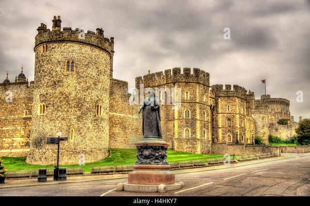 Queen Statue Windsor Stock Photos Queen Statue Windsor