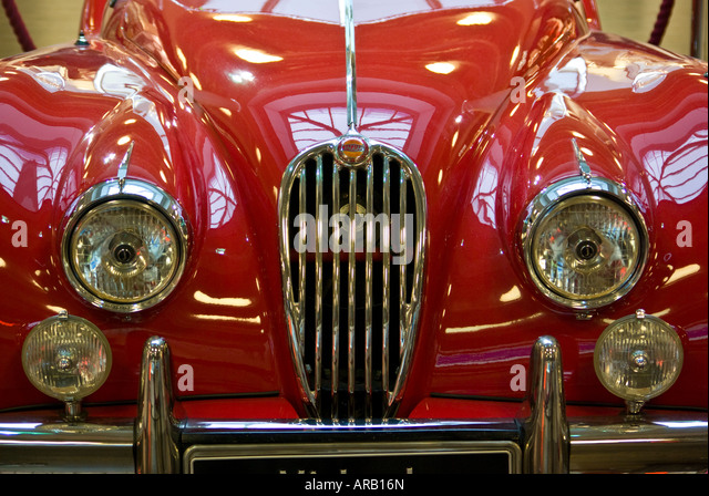 jaguar xk140 stock photos jaguar xk140 stock images alamy jaguar xk140 1957 roadster sports car stock image