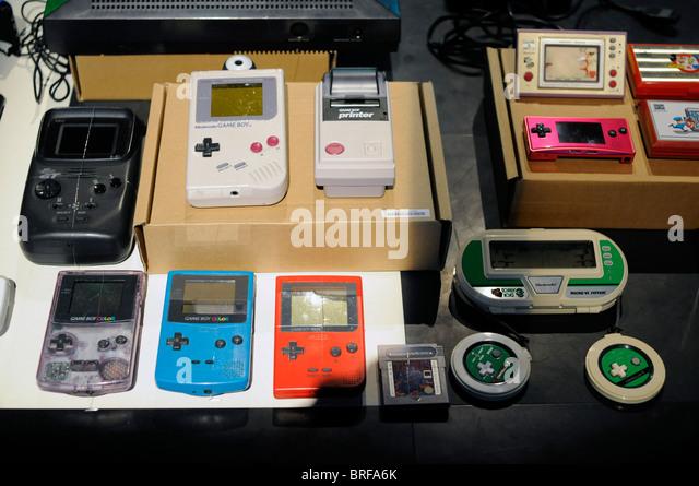 Portable Exhibition Quiz : Nintendo gameboy portable game console stock photos