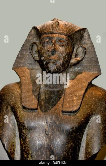 http://l7.alamy.com/zooms/cba9c28404654aa59b3285d55b54114d/king-sesostris-iii-twelfth-dynasty-1850-bc-deir-el-bahri-egypt-egyptian-b4fhkn.jpg