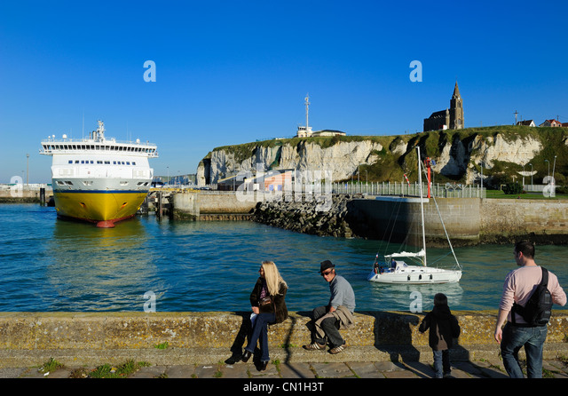dieppe france sea stock photos dieppe france sea stock images alamy. Black Bedroom Furniture Sets. Home Design Ideas