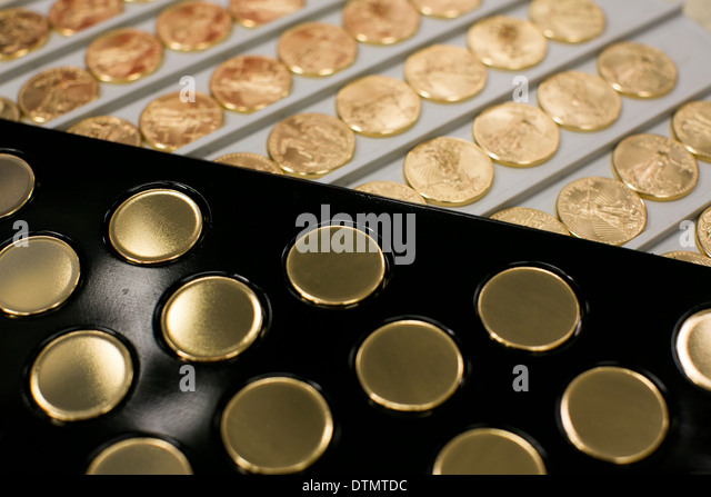 Gold Eagle Stock Photos amp Images Alamy