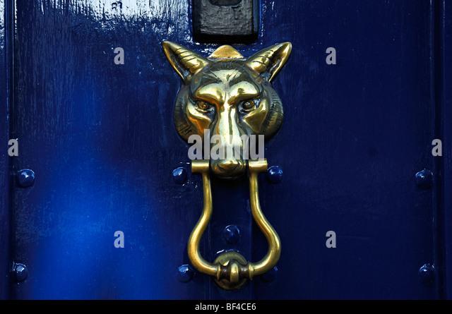 Church door knocker stock photos church door knocker stock images alamy - Wolf head door knocker ...
