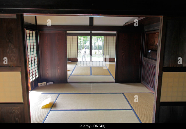 House tokyo stock photos house tokyo stock images alamy for Classic japanese house