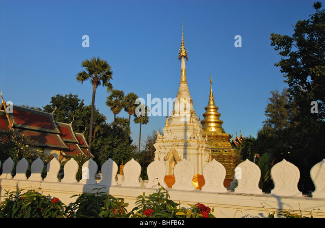 Wat Chom Thong Stock Photos & Wat Chom Thong Stock Images ...