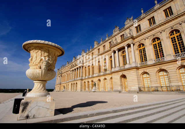 Versailes stock photos versailes stock images alamy for Garage versailles 44
