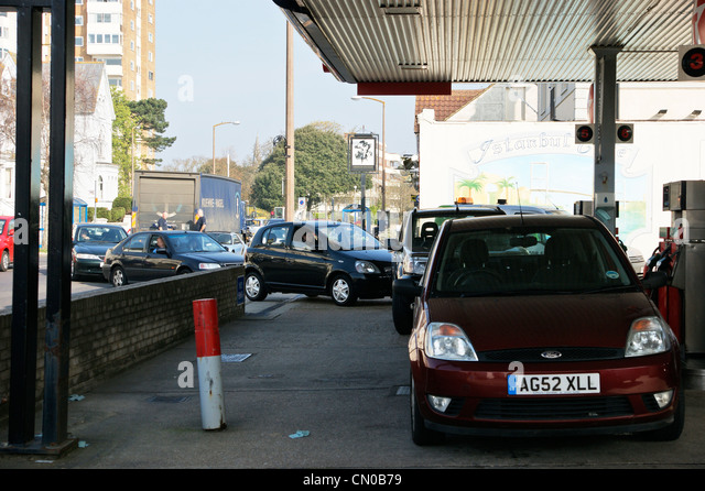 Petrol price rises stock photos petrol price rises stock for Garage energy automobiles