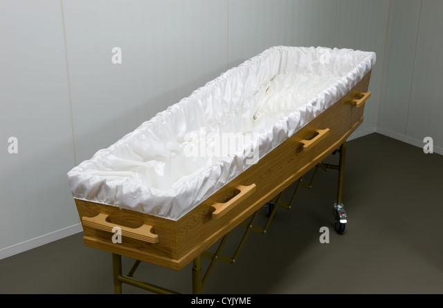 empty coffin - photo #41