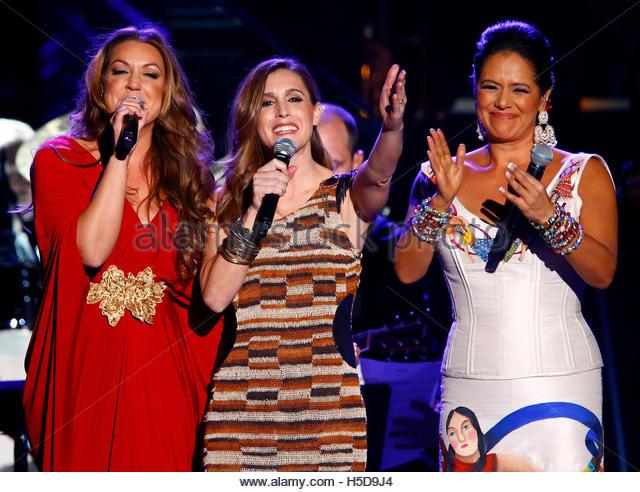 l-r-singers-nina-pastori-soledad-and-lila-downs-perform-onstage-during-h5d9j4.jpg