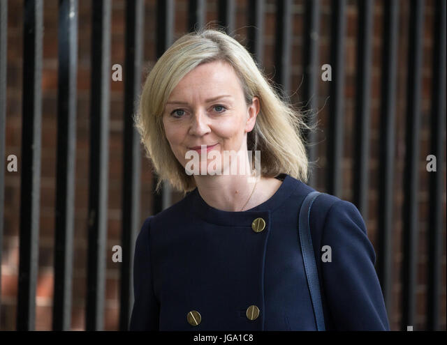 . Elizabeth Truss MP, Chief Secretary to the Treasury, leaves 10 Downing Street after a Cabinet meeting - Stock Image