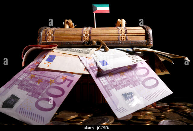 Kuwait Currency Stock Photos Kuwait Currency Stock Images Alamy