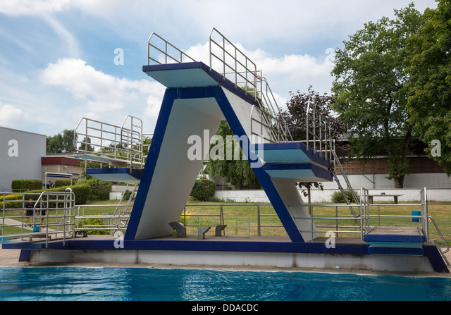 Spring Board Jumping Stock Photos Spring Board Jumping Stock Images Alamy