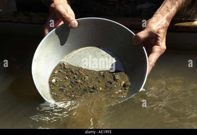 panning for gold in the gold rush - photo #18