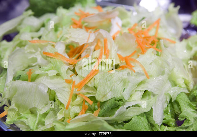 how to cut carrots for salad
