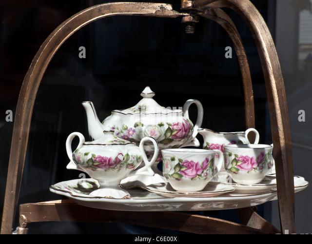 antique porcelain teapot stock photos antique porcelain teapot stock images alamy. Black Bedroom Furniture Sets. Home Design Ideas
