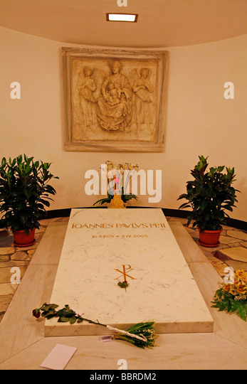 Pope grave stock photos pope grave stock images alamy pope john paul iis tomb saint peters basilica rome stock image fandeluxe Choice Image