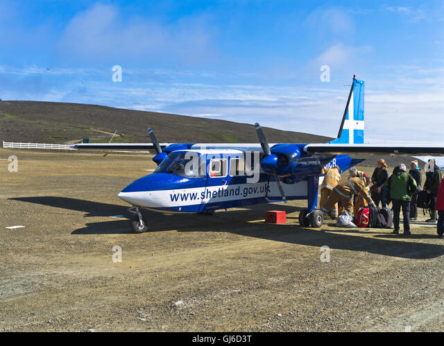 Boarding Plane Small Plane Uk Stock Photos & Boarding Plane Small ...