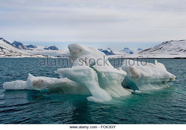 Nordvest spitsbergen stock photos nordvest spitsbergen for Floating rock norway