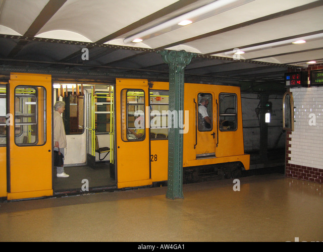 Search Results for Budapest Metro Train Vorosmarty Tér Station Sliding Doors Stock Photos and Images & Budapest Metro Train Vorosmarty Tér Station Sliding Doors Stock ...