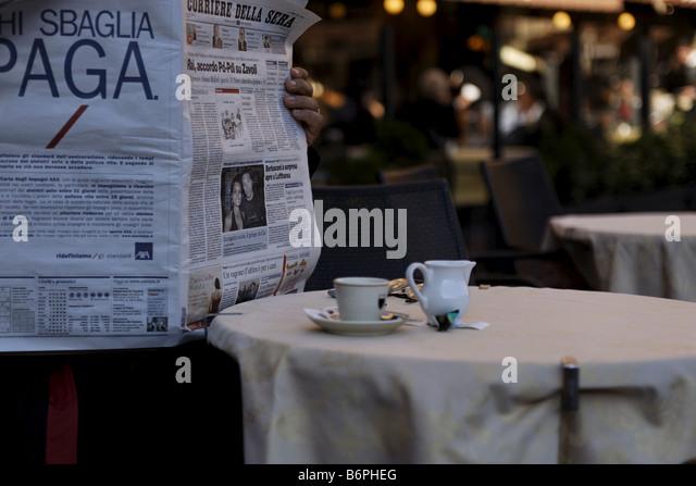 Italian Newspaper Stock Photos & Italian Newspaper Stock Images ...