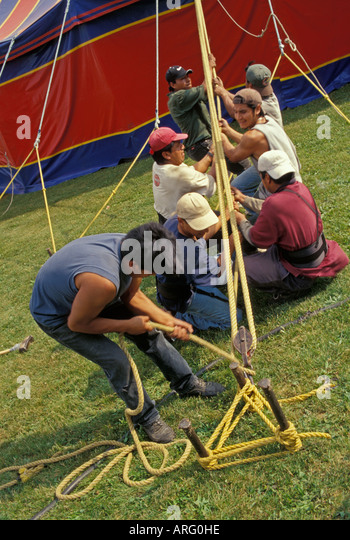 Kelly Miller Circus USA America American roustabouts adjust rope rigging big top - Stock Image & Bigtop Circus Tent Stock Photos u0026 Bigtop Circus Tent Stock Images ...