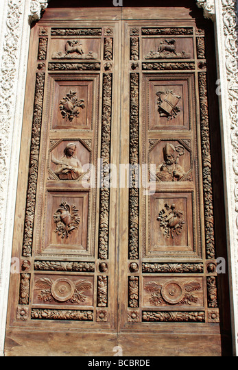 Beautifully Carved Wooden Door Santa Croce Basilica Florence Bcbrde Hedge Maze Longleat House Town