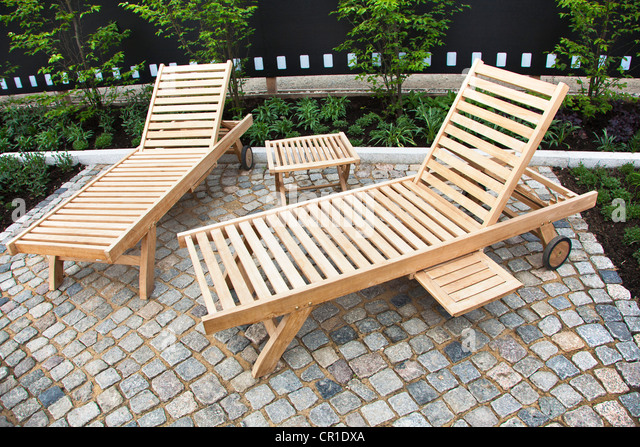 Wood benches stock photos wood benches stock images alamy for Outdoor furniture yangon