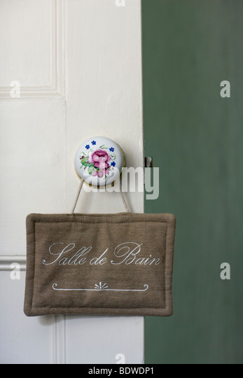 Bain stock photos bain stock images alamy for Salle de bain door sign