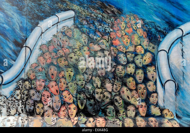 Fall of berlin wall crowd stock photos fall of berlin for Crowd wall mural