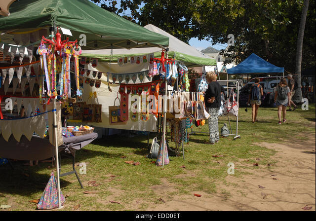 Craft market stalls on the beach front at Horsehoe Bay Magnetic Island Queensland & Horseshoe Bay Magnetic Island Stock Photos u0026 Horseshoe Bay ...