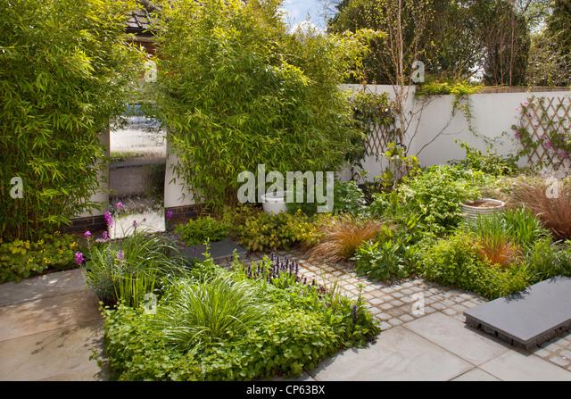 water feature garden stock photos water feature garden stock images alamy. Black Bedroom Furniture Sets. Home Design Ideas