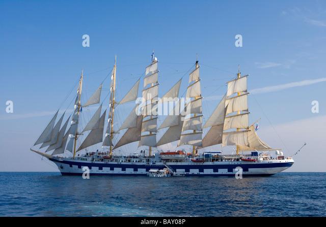 Tall Ship Under Full Sail Stock Photos Amp Tall Ship Under
