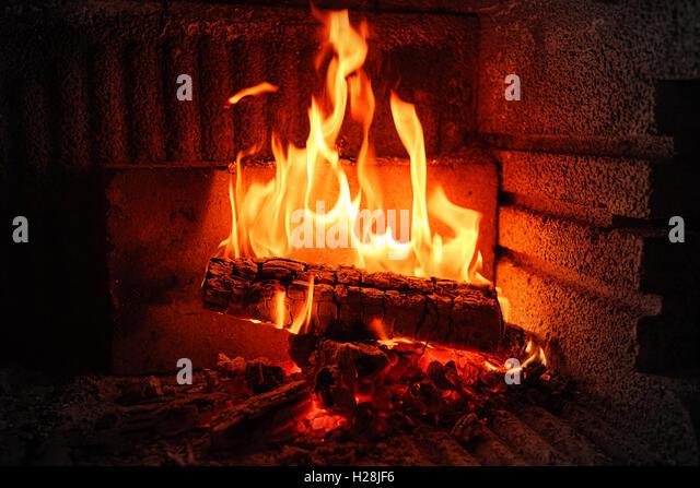 2017 hgtv dreamhouse fireplace