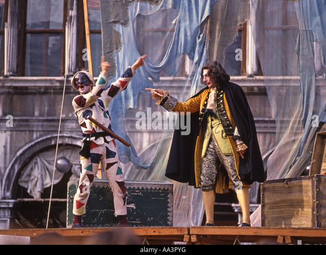 Commedia dell 39 arte stock photos commedia dell 39 arte stock for Dujardin 817
