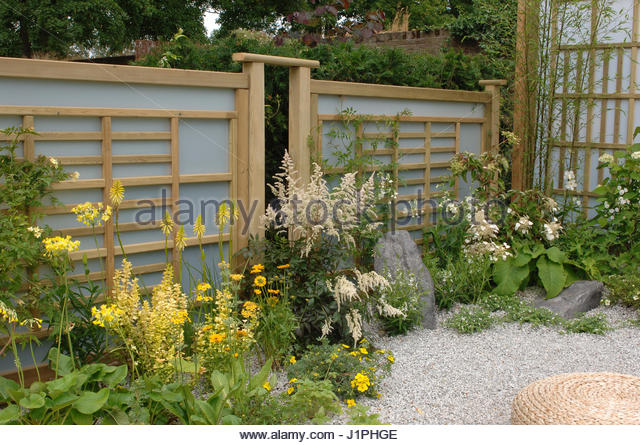 Plexiglass stock photos plexiglass stock images alamy for Japanese garden structures wood