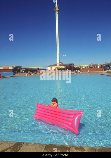 Swimming rhyl leisure centre clwyd stock photos swimming rhyl leisure centre clwyd stock for Swimming pools in the north east