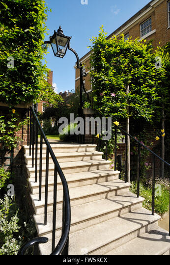 Middle temple london stock photos middle temple london for Garden gateway